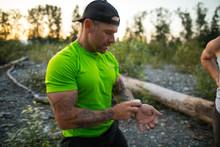 Bodybuilder Checks His Heart R...