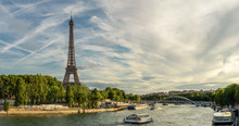 Panoramic View Of The Eiffel T...