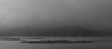 한국 청주시티 대청호수 아침 물안개 풍경, 흑백사진