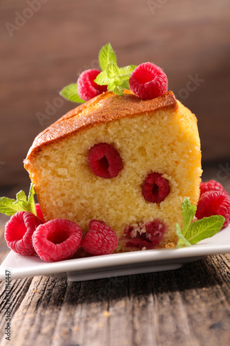 close up on raspberry cake on wood background Wallpaper Mural