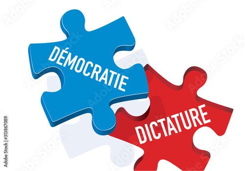 Concept de l'opposition entre le totalitarisme et la liberté d'expression avec une pièce de puzzle qui remplace la dictature par la démocratie Wallpaper Mural