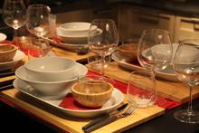 Elegant Traditional Set Table ...