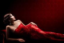 Retro Woman Beauty In Elegant ...