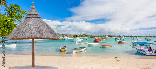 Fotomural umbrella and chairs on tropical beach, Mauritius