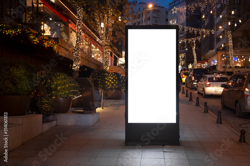 Obraz Blank billboard on night street - fototapety do salonu