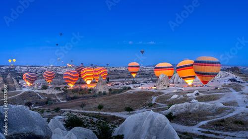 Obraz Vibrant colorful hot air balloons in Cappadocia, Turkey. - fototapety do salonu
