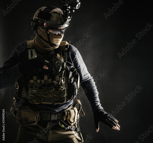 Special operations fighter in helmet with night-vision, thermal imaging device, Tapéta, Fotótapéta