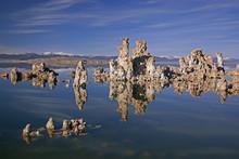 Landscape Of Mono Lake With Tu...