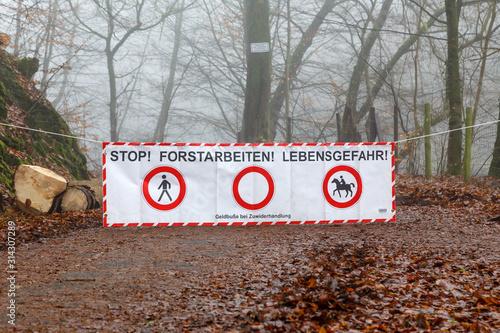 Foto Absperrbanner Forstarbeiten