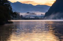 Peaceful Autumn Alps Mountain ...