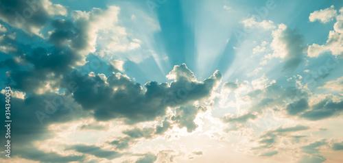 Niebo z poświatami