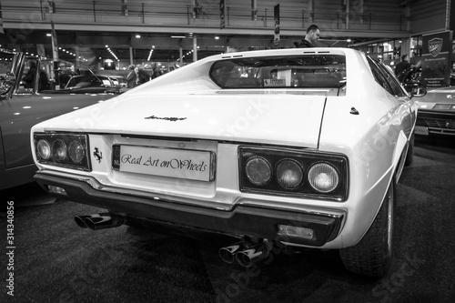 Photographie MAASTRICHT, NETHERLANDS - JANUARY 14, 2016: Sports car Ferrari 308 GT4 Dino, 1977