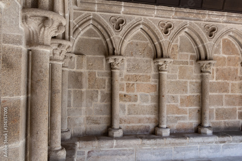 Foto Detail of the cloister in abbey of Mont Saint-Michel