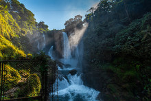 Inside The Pulhapanzak Waterfa...