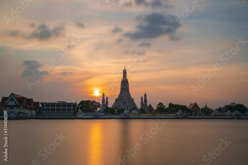 Fototapeta The most beautiful Viewpoint, Wat Arun Ratchawaram Ratchaworamawihan at sunset twilight sky, Bangkok,Thailand obraz