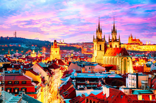Obraz Amazing cityscape view of Prague Castle and church of our Lady Tyn, Czech Republic during sunset time. - fototapety do salonu