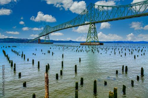 Fototapeta Green steel bridge in Astoria Oregon obraz