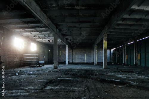 Fototapeta Old broken empty abandoned industrial building interior obraz