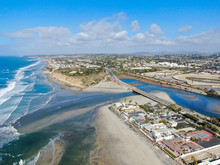 Aerial View Of Del Mar North Beach, California Coastal Cliffs And House With Blue Pacific Ocean. San Diego County, California, USA