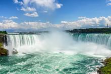 Beautiful Niagara Falls On A S...
