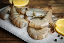Fresh Raw Shrimps With Lemon O...