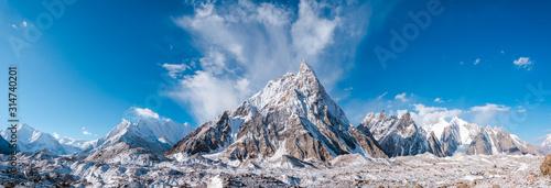 Fototapeta Panoramic view of Mitre Peak and Baltoro Galcier and Karakoram Mountains from Concordia, Pakistan obraz
