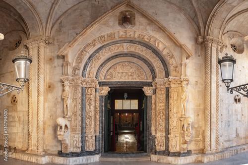 Fényképezés Radovan's portal of the St Lawrence cathedral in Trogir, Croatia