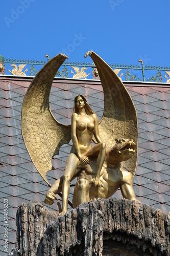 Fotografie, Obraz golden gargoyle