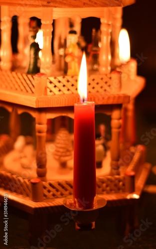 Obraz Boże Narodzenie piramida - fototapety do salonu