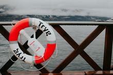 Steg In Norwegen Mit Rrettungs...
