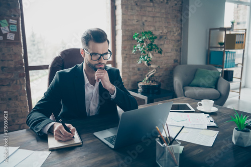 Fotografía Photo of handsome business guy looking interested notebook screen learn novelty