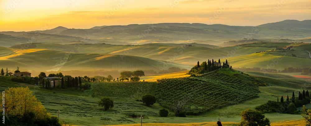 Obraz Tuscany - Landscape panorama, hills and meadow, Toscana - Italy fototapeta, plakat