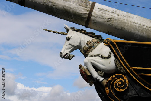 Figurehead of the HMS Unicorn, Dundee, Scotland Fotobehang