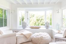 White Home Showcase Sitting Ar...