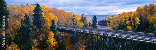 Obraz Baptism River into Lake Superior, Tettegouche State Park, Minnesota - fototapety do salonu