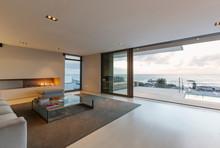 Modern, Minimalist Luxury Livi...