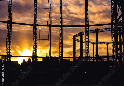 Obraz na plátně Hackney Gasworks Sunset