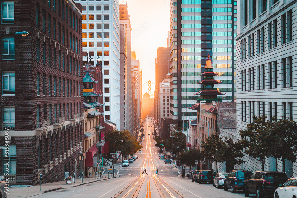 Fototapeta Downtown San Francisco with California Street at sunrise, San Francisco, California, USA