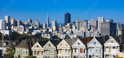 San Francisco, USA - Skyline with Alamo Park Painted Ladies Canvas Print