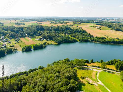 kaszuby-jezioro-las-pole-laka