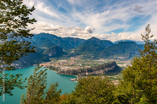 Photo Riva del Garda - Torbole - Arco visti dal Monte Altissimo (Tn) Italia