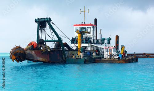 Dredger Heavy Excavator on Water in the Sea (Deep Sea Dredge) Canvas-taulu