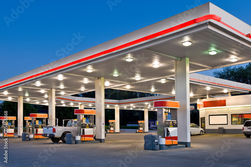 Retail Gasoline Station and Convenience Store REWORKED Fototapet