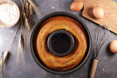 Fotografie, Obraz homemade sponge cake with ingredient