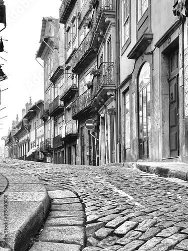 old-buildings-in-porto-portugal