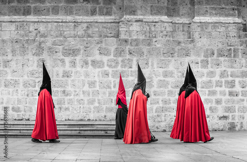 Canvas Print Nazarenes in procession Holy Week. Valladolid, Spain