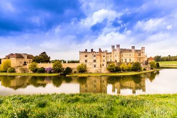 castle on the river, Leeds castle