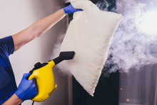 Using Dry Steam Cleaner To San...