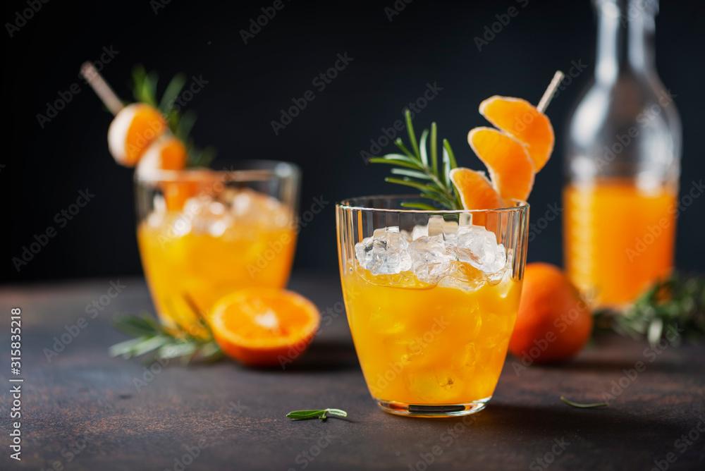 Obraz Alcoholic cocktail with mandarins fototapeta, plakat