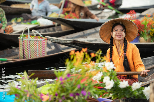 Floating Market in the morning at Inle lake, Shan state, Myanmar Wallpaper Mural